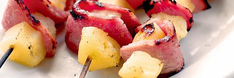 Pinchos de jamón y piña
