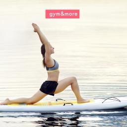 SUP yoga: disfruta de la práctica en el mar